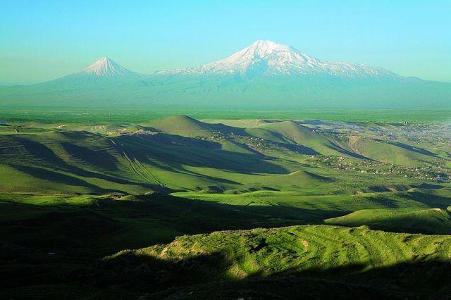 800px-Mount_Ararat2