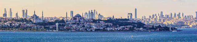 Istanbul_panorama_and_skyline