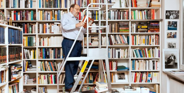Umberto_Eco_library